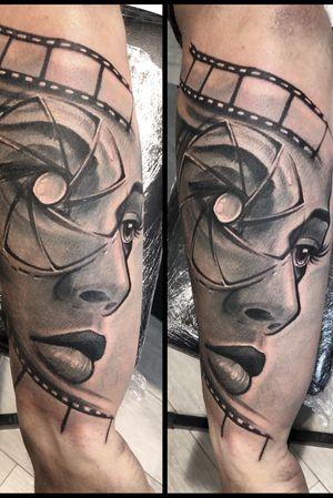 #tattoo #tattoodo #tattooartist @Marius Cradle #photography #photo #girl #ink #grey #inprogress #tattooart #tattoodesign #tattooabstract #abstract #art
