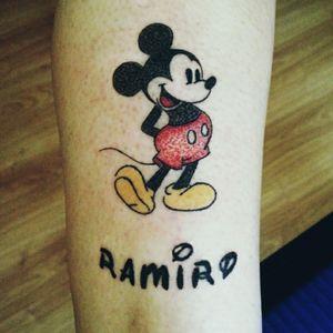 #handpoked #handpoketattoo #MickeyMouse #disneytattoo #mickeymousetattoo