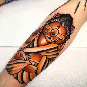 Cat tattoo by Iris Lys #IrisLys #Cattooer #cattattoos #cat #kitty #animal #petportrait #bff #color #traditional #om #buddha #leg