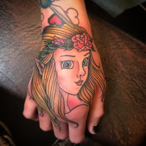 Hand shot #zelda #handtattoo #ladyheadtattoo #traditional #traditionalladyhead #videogametattoo #color