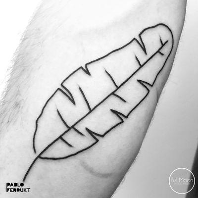 Banana leaf for @mcknavel , thanks so much! Done @fullmoonberlin . Appointments at email@pabloferrukt.com or DM. #minimalistictattoo . . . #tattoo #tattoos #tat #ink #inked #tattooed #tattoist #art #design #instaart #mountain #delicatedtattoo #tatted #instatattoo #bodyart #tatts #tats #amazingink #tattedup #inkedup #berlin #berlintattoo #banana #lessismore #berlintattoos #tinytat #minimal #tattooberlin #copenhagen
