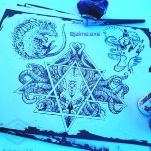"[FLASH DESIGNS] (Diseños disponibles) ""Rata deshollada/Veneno/Cthulhu"" Estilo Blackwork Técnica tinta china Diseños propios Artista: FB/INSTA: @jaime.sxe #SkylineStudio #TattooDesign #CreateYourself"