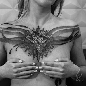 #tattooartist #tattooart #contemporary #chesttattoo #inkedgirl #girlwithtattoo #ornamental #ornamentaltattoo #mandala #graphictattoo #dotwork #dotworktattoo #blacktattoo #blackwork #blackworktattoo #berlin #keblacktattoo