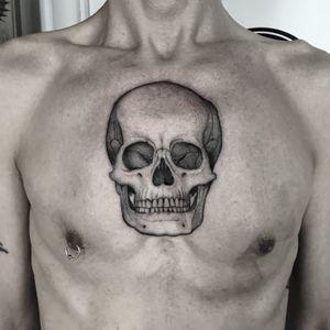 #totemica #tunguska #black #human #skull #bones #death #tattoo #originalsintattooshop #verona #italy #blackclaw #blacktattooart #tattoolifemagazine #tattoodo #blackworkers