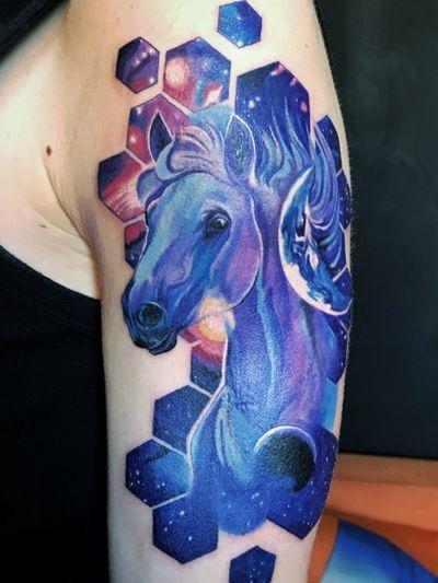 #tattoogalaxy #tattoogdansk #gdansktattoo #color_tattoo #horse #cosmos Instagram.com/krismengiotattoo https://www.facebook.com/profile.php?id=100017156859256