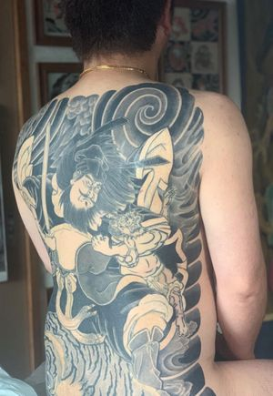 Almost finish. All shade and color by hand. Shoki 筋彫り:マシン 暈し:手彫り 鍾馗 ・ ・ ・ Done with @kurosumitattooink #kurosumi #kurosumiink #kurosumitattooink Care with @dermalizepro #dermalizepro ・ ・ appointment via e-mail kensho@japantattoo.net ・ ・ ・ ・ #tebori #handpoke #horimono #irezumi #japantattoo #japanesetattoo #japaneseirezumi #wabori #traditionaljapanesetattoo #japaneseart #inked #tattoo #tattoos #tattoolife #irezumicollective #japanesetattooart #tatuaje #手彫り #刺青 #鍾馗 #japaneseart #saitama #japanesefashion #backpiecetattoo
