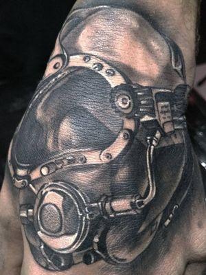 Capacete de mergulhador! #tattoo #tattoodo #tatuadoresbrasileiros #tatuadoresdobrasil