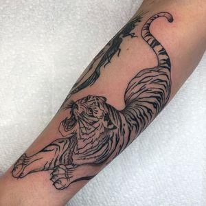 Tiger tattoo by Tattoo artist Brittany Randell #BrittanyRandell #humblebeetattoo #blackfemaleartist #blacktattooartist #blacktattooer #blacktattoos #poctattoos #poc #torontotattoos #illustrative #linework