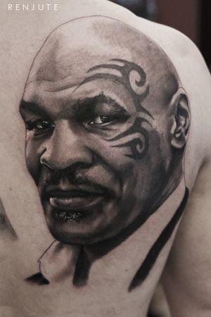 #b&g #portrait #tatuaje #bcntattoo #riga #latvia #barcelona #blackandgrey #renjute #miketyson