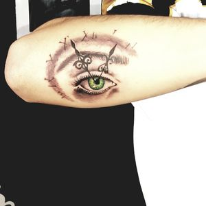 Green eye!