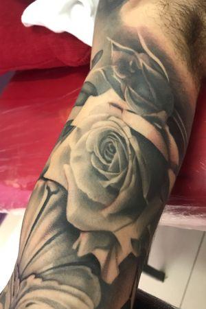 Detalle del trabajo sobre el brazo de Andy.
