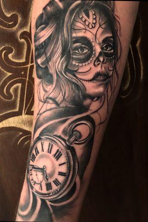 Caterina #tattoo #cartrinatattoo #chicanostattoo #lahava #ink #clocktattoo