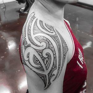 #freehand #samoan #maori #kirituhi female shoulder #tattoo