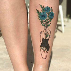#flowertattoo #flowers #flower #girl #hug #hugyourself