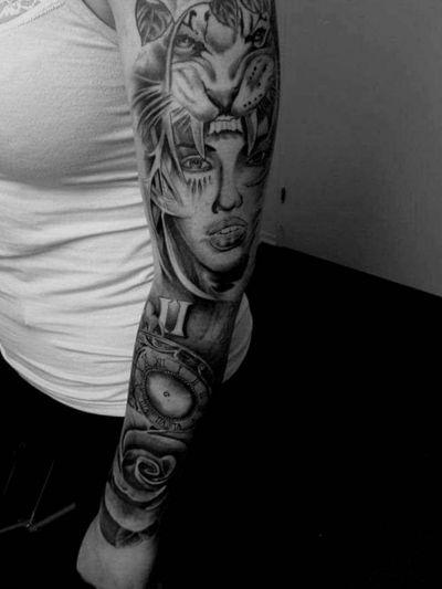 Black art Travelling artist . ☺️#tattoo #clowntattoo #fashionart #girltattoos #tattoomodel #tattooshop #losangelestattooartist #losvegas #chinatattoo #aarhustattoo #visitaarhus #tattoomodel #tattoomodels#aarhus #aarhustattoo #addme #add, #snap#singer #performer ##hiphop #drumandbass #designer #datenight #dansk #friends #lovequotes #instagramfriends #smalltattoos #blackart #blackandgreytattoo