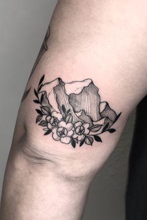 Moutain and peonies #tattoo #tattoos #blackandgreytattoos #inkedmag#myinkaddict #lasvegas #tattooworkers #tattooartist #inked #blacktattoo #tattooart #worldofpencils #artist #floral#floraltattoo #lasvegastattoo #lasvegastattooartist #dotwork #iblackwork #artist #inked #peony #blxink #peonytattoo #peonies#crosshatch#blackworkerssubmission