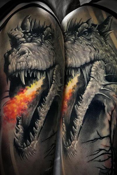 #marco #pik #ass #marcopikass #pikass #pikasstattoo #tattoo #fire #light #dragon #drache #german #germany #artist #tattooed #ink #inked #realistic #realism #light #bng #black #grey #3d