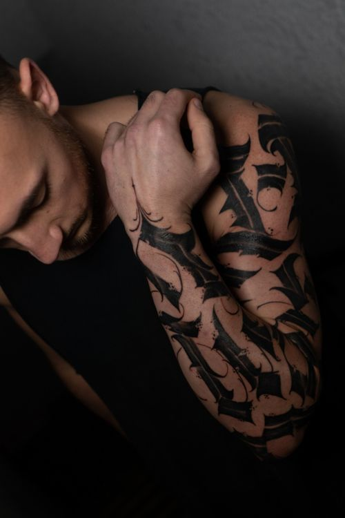 Calligraphy sleeve by @pocketski  #lettering #calligraphy