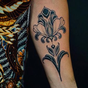 Art Nouveau tattoo by Hey Norte #HeyNorte #artnouveau #ArtNouveautattoo #artnouveuatattoos #fineart #nature #filigree #floral #arm #art #illustrative #painterly