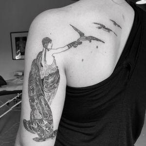 Art Nouveau tattoo by David Allen #DavidAllen #artnouveau #ArtNouveautattoo #artnouveuatattoos #fineart #nature #portrait #lady #art #illustrative #painterly #blackandgrey #hawk #arm