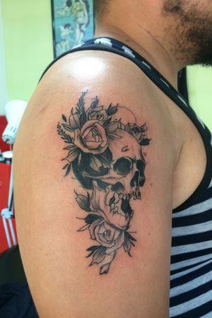 #skullandflowers
