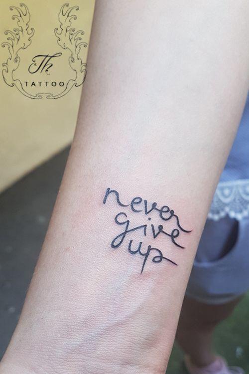 #nevergiveup #tattoo #smalltattoos #littletattoo #inkedgirl #tatuaj #tatuaje #tatuajefete #tatuajscris #tattoobucharest #tatuajebucuresti  www.tatuajbucuresti.ro