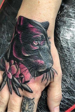 Little hand banger done @madcatztattoo by senior artist @bigbear_tattoo on instagram