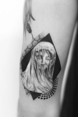 #tattoo #tattooed #ink #inked #inkboy #inkgirl #fineline #blackwork #blackworksubmission #blackandgrey #blackink #tat #tats #tatoo #inkalpha #belgium #finelinesubmission #thebestbelgiumtattooartists #btattooing #tttism #contemporarytattooing #inkselection #tattoomobile