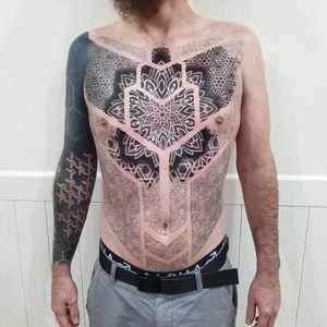 Work in progress Swirlywanxsinatra@gmail.com #tattoo #blackandgrey #mandala #dotwork #oakandirontattoo #brisbane #brisbanetattoo #blackworktattoo #blackwork #geometrictattoo #geometric #sydneytattoo #sydney #australiantattoo #ritalinpower #brisbaneartist #btattooing #brisbanetattooartist