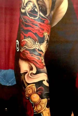 Sleeve filler & ornaments by Kimmy Tan. 2015