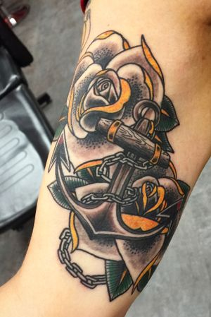 Traditional Anchor and Roses