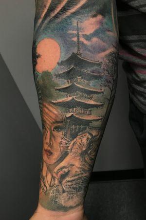 Japanese #color #tattooartist #maxwellrivera #tiger #japanesepagoda #pagoda #moon #japangirl