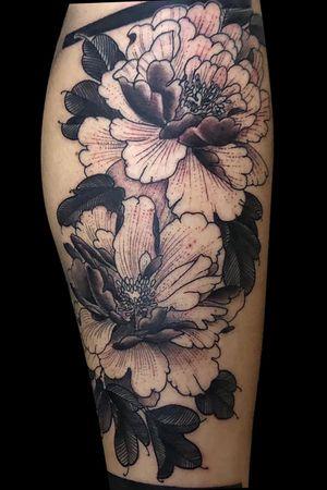 Flower,mandala leg piece, first session