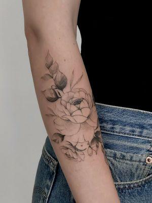 #rosetatto #rosetattoo #RoseTattoos #floraltattoos #floraltatoo #floraltattoo #floralsleeve