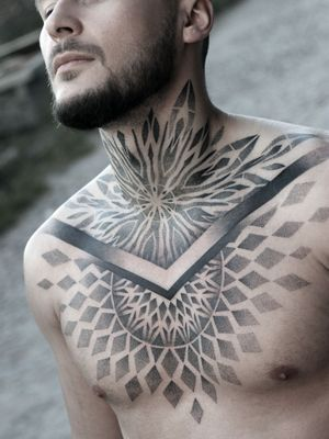 #dotwork #mandala #blackink #geometry #geometric #geometrytattoo