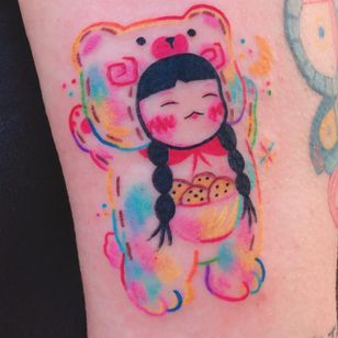 Cute tattoo by Si Si Love Love #SiSiLoveLove #cutetattoos #cute #sweet #tattoosforgirls #tattoosforwomen #tattooideas #cooltattoos #love #color #cookies #pastel #painterly #girl #illustrative #arm #bear