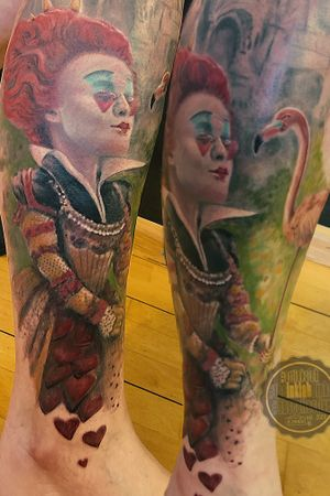 """The Queen of Hearts, she made some tarts, all on a hot summer's day. The Knave of Hearts, he stole those tarts. The mad Queen said, """"Off with his head! Off with his head! Off with his head!"""" Well... that's too bad... no more heads to cut....'alice in wonderland @hellotattoomed #theinklabbinks #bb #queenofhearts #alice #coloryorlife @cheyenne_tattooequipment #legsleeve #inprogress @i.am.ink_tattooproducts #austria #lünerseefabrik #bürs @intenzetattooink #intenzepride"""