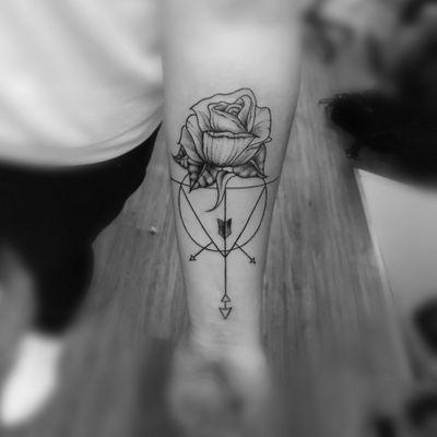 Black art Travelling artist .✌️☺️#tattoo #clowntattoo #fashionart #girltattoos #tattoomodel #tattooshop #losangelestattooartist #losvegas #chinatattoo #aarhustattoo #visitaarhus #tattoomodel #tattoomodels#aarhus #aarhustattoo #addme #add, #snap#singer #performer ##hiphop #drumandbass #designer #datenight #dansk #friends #lovequotes #instagramfriends #smalltattoos #blackart #blackandwhiteart @aarhus_city,
