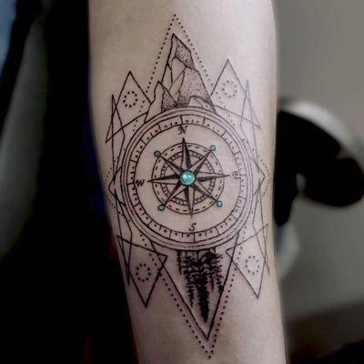 #geometric #geometrictattoo #compasstattoo #compass #yeg #colourtattoo #circles