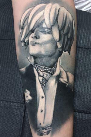 Freddy black and gray