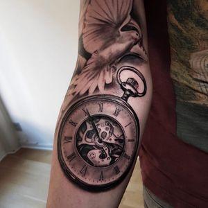 Clock tattoo by Jones Larsen #JonesLarsen #LacunaTattoo #realism #realistic ##mashup #tattoodoapp #tattooartist #tattooidea #cooltattoo #copenhagen #denmark #clock #time #watch #realism #blackandgrey #arm
