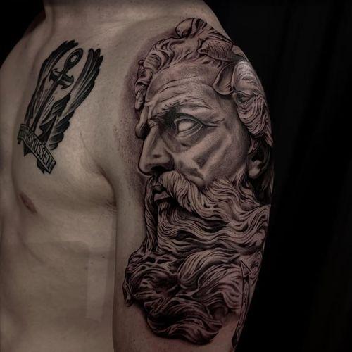 Sculpture tattoo by Jones Larsen #JonesLarsen #LacunaTattoo #realism #realistic ##mashup #tattoodoapp #tattooartist #tattooidea #cooltattoo #copenhagen #denmark #portrait #greek #sculpture #blackandgrey #arm