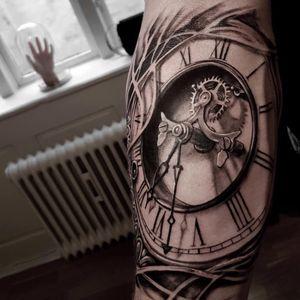 Clock tattoo by Jones Larsen #JonesLarsen #LacunaTattoo #realism #realistic ##mashup #tattoodoapp #tattooartist #tattooidea #cooltattoo #copenhagen #denmark #blackandgrey #clock #time #arm