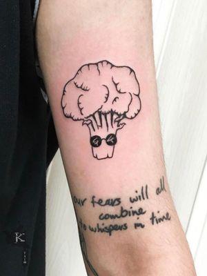 By Kirstie Trew • KTREW Tattoo • Birmingham, UK 🇬🇧 #broccoli #broccolitattoo #tattoo #birminghamuk #illustrativetattoo #fineline