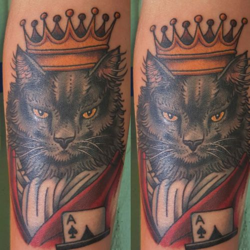 Traditional American cat in crown robe ace of spades