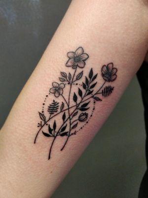 #ornamentaltattoo Composition florale