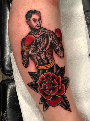 Traditional rose tattoo by Mark Mcilvenny #MarkMcilvenny #traditionalrosetattoo #traditionalrose #rosetattoo #traditionaltattoo #traditional #flower #floral #plant #color #boxer #tattooedtattoo #portrait #eagle