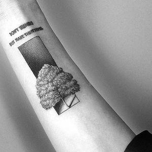#kyo #kyotattoo #surrealism #realism #spacetattoo #naturetattoo #nature #tree #treetattoo #minimalism #microtattoo #tattooberlin #tattooartmag #tattodo #tattooideas #tattooinspiration #europetattoo #berlintattoo #hamburgtattoo #berlinink #tattooartist #tatt #ttt #ttism #tattooing #creativetattoo #dotworktattoos #sketchtattoos #blackink #tattoos #berlin #designtattoo #design
