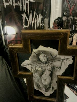 """Original drawing of Lilith Divine,available ,frames handmade by Konan The Madness Circus tattooshop and creative lab. The"""" Scarybitches"""" series . For info and price write me!!! (One of four ) #drawing #artcollective #artist #madnesscircus #lilithdivineartist #darkartists #DarkArt #horrorart #outofstepbooks"""