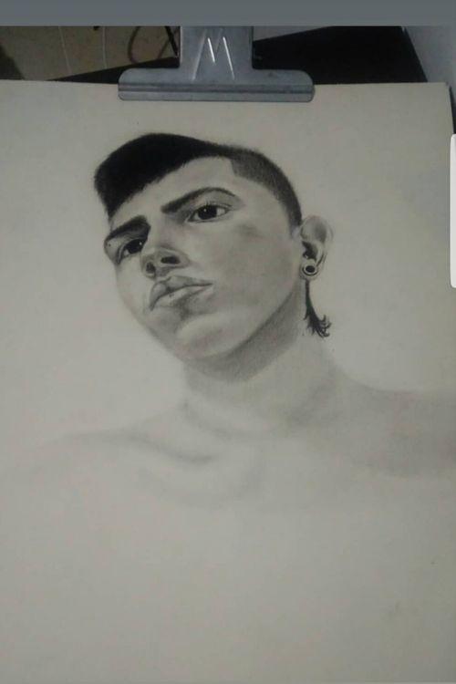 Autoretrato en carboncillo #arte #art  #dibujo #drawing #carboncillo #drawfolio  #autoretrato #retrato #colombia